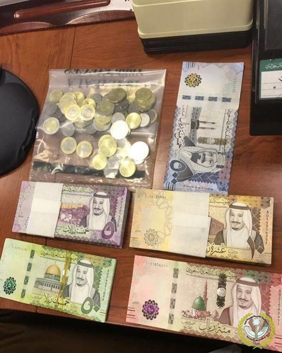 جمعية البر الخيرية بمدينة فيد توزع الفسحة المدرسية